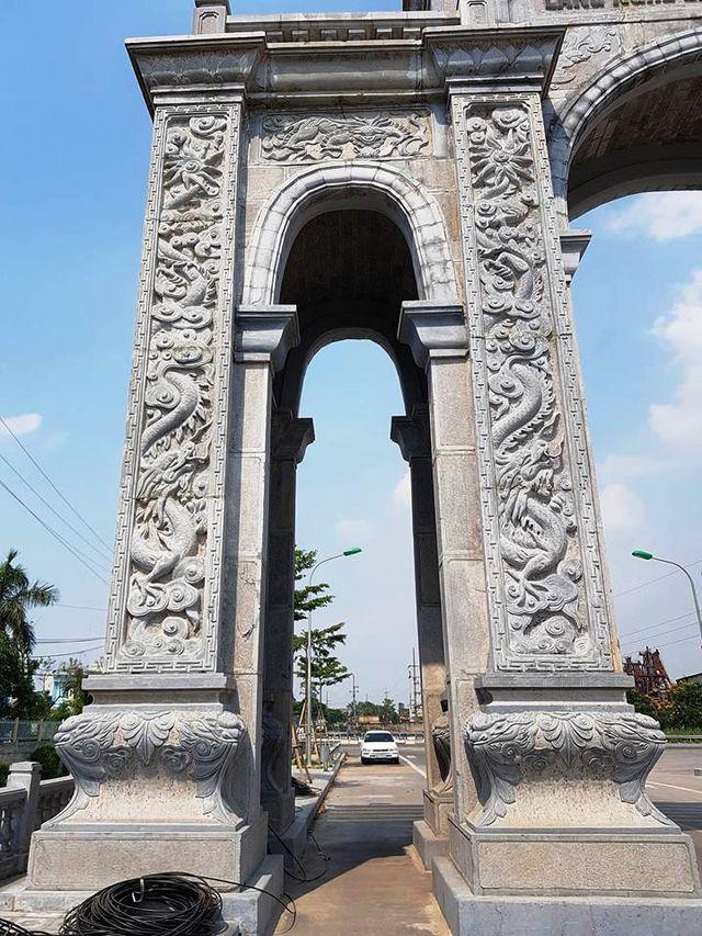Cot da cao cap cua Cong lang da Ninh Van
