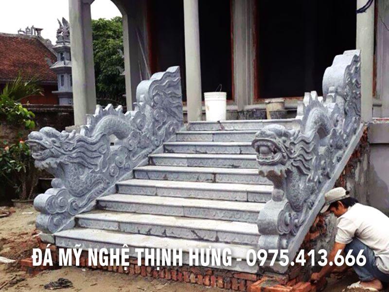Rong da - Bac tam cap da cho Dinh - CHua