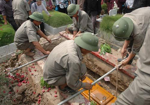 Hinh thuc dia tang - Chon cat lan dau sau do cai tang