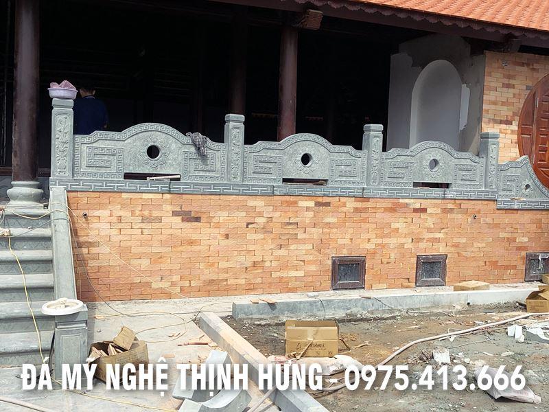Lan can da cua Dinh Lang