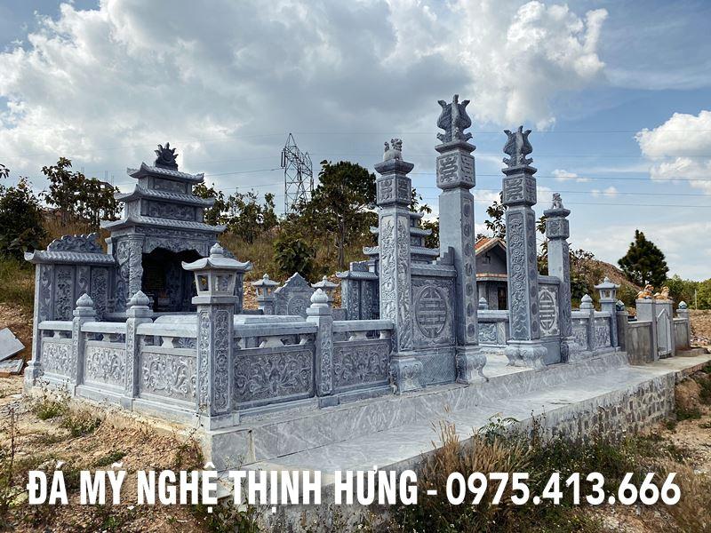 Lan can da cua Khu lang mo da Cu Ong Lu Van Nang