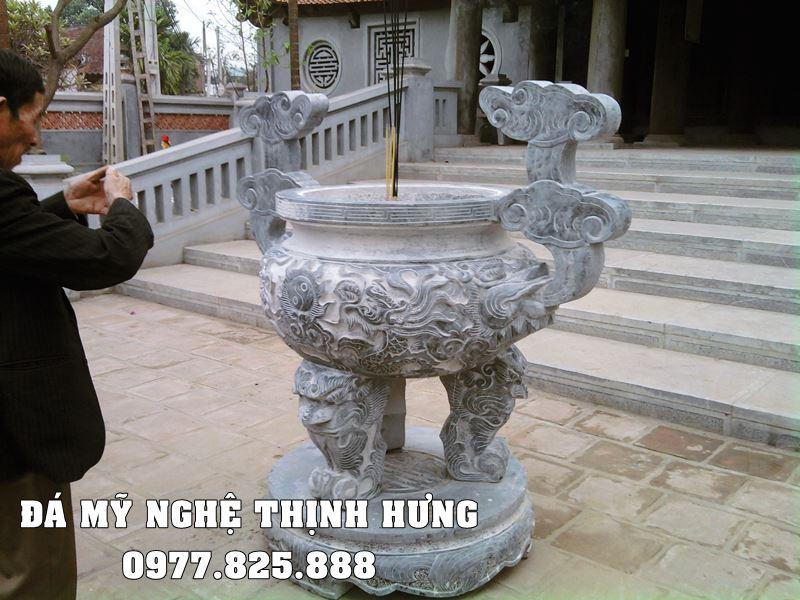 Mẫu Lư hương đá tại Quảng Bình