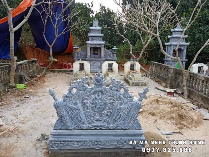 Bình phong đẹp cho Khu Lăng mộ đá Ba mái.